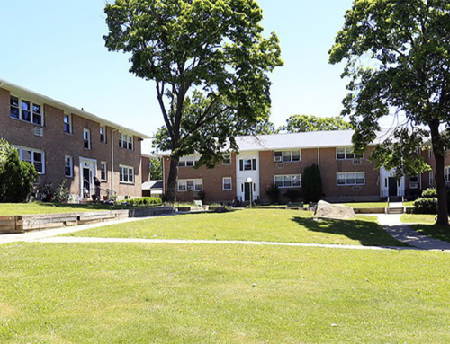 Crestwood Lake Apartments