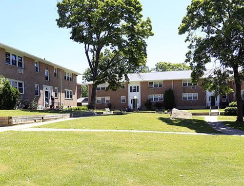Crestwood Lake Apartments